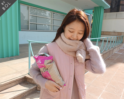 BOL fur muffler /light pink 3차재입고